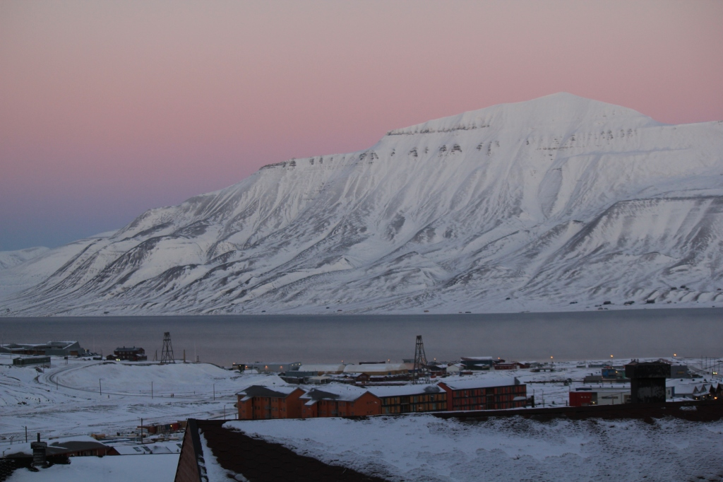 Longyearbyen dawn (mid-morning)